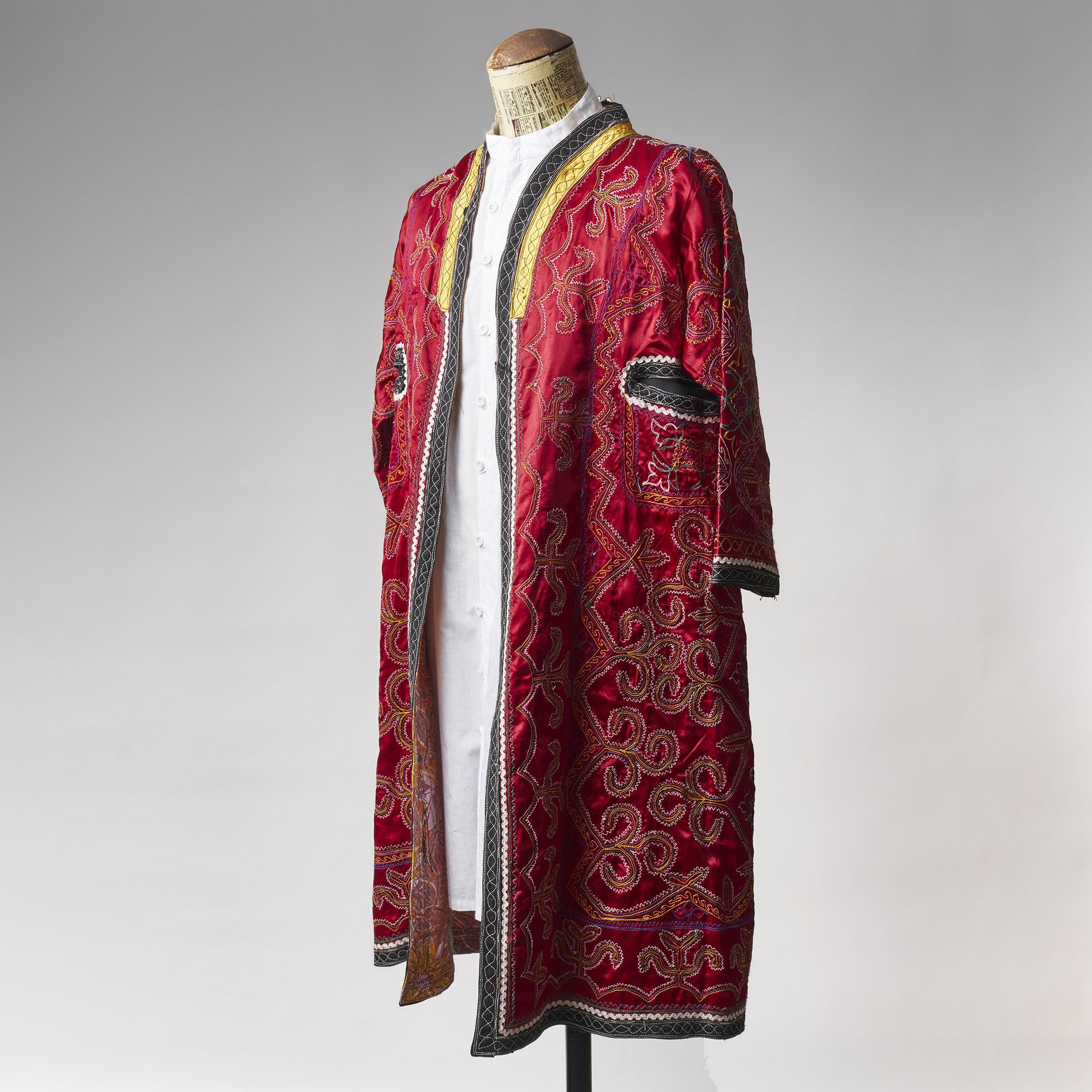 Saco bordado rojo de Uzbekistán