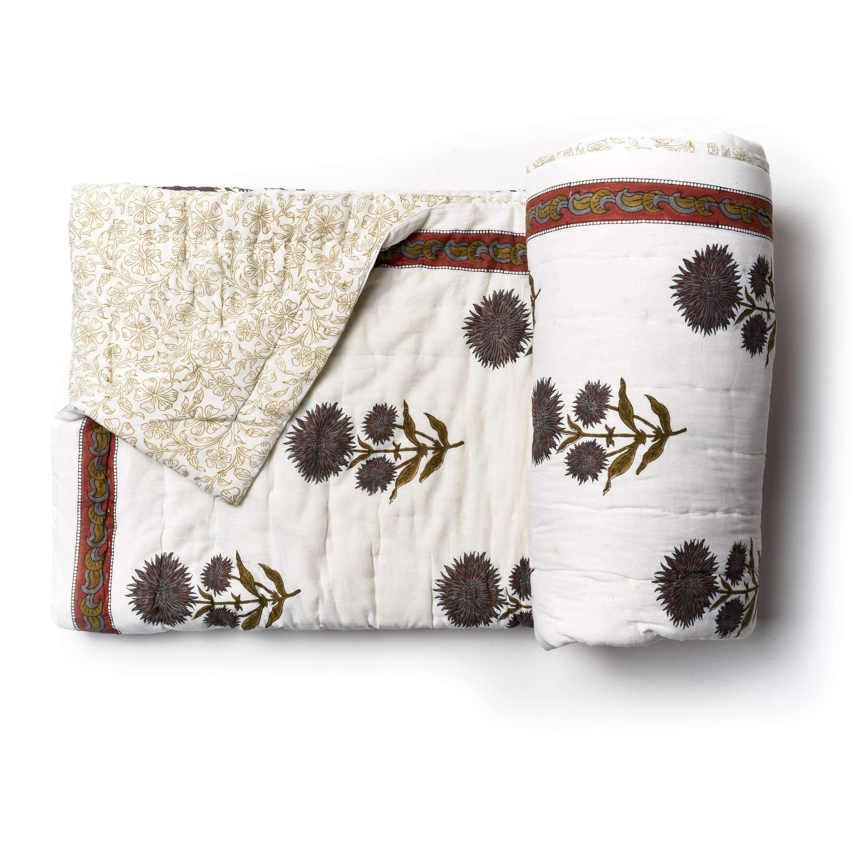 Acolchado liviano ideal para primavera y verano. Reversible, de algodón estampado a mano con dos fundas