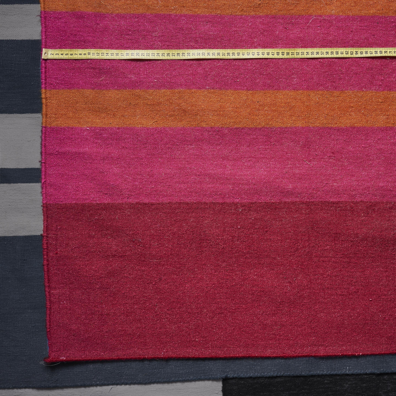Alfombra Dhurrie lana rayada rojo, naranja, y fucsia 2.00 x 2.96 m